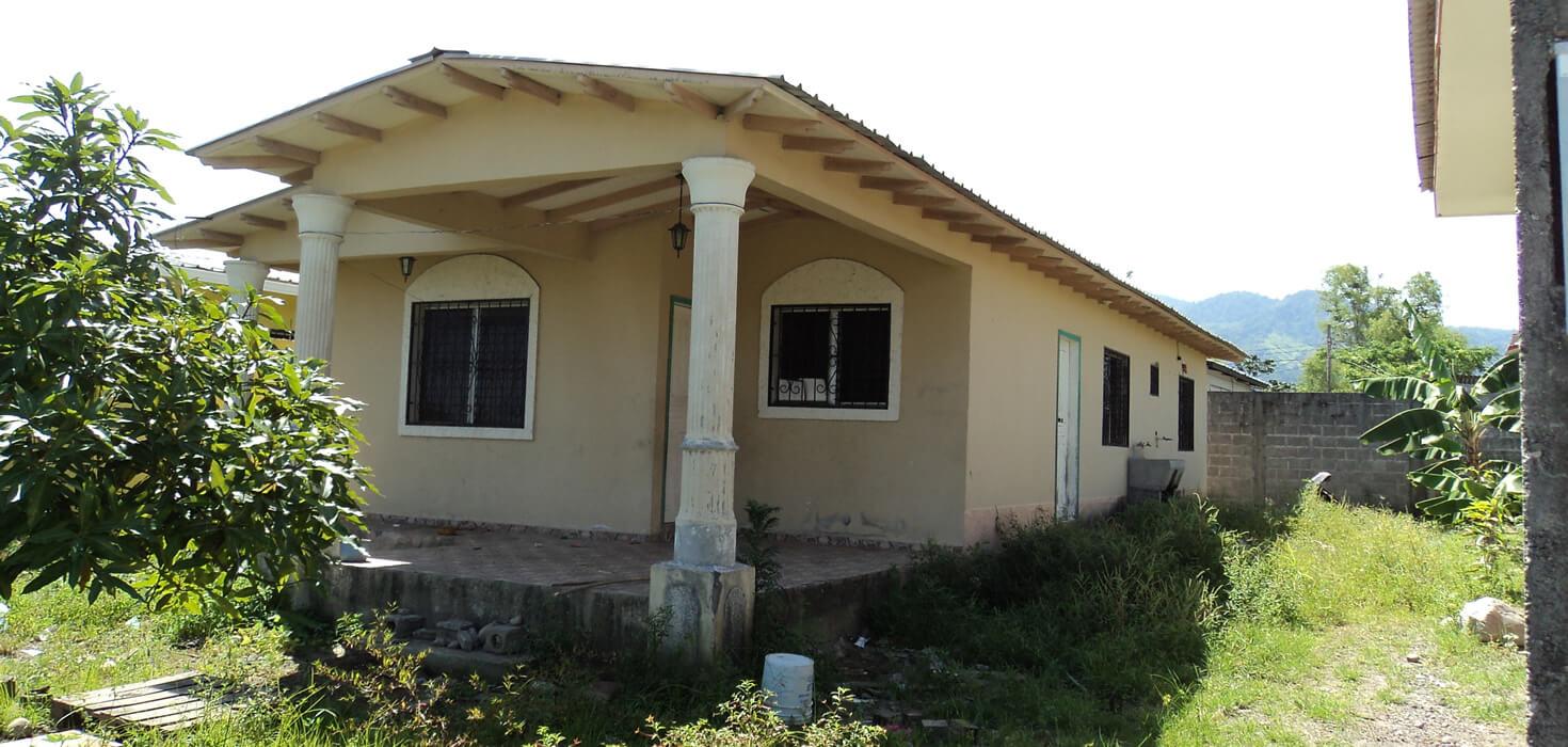 Venta de casa de habitación ubicado en Urbanización Villa Neem lote No.7, bloque I, La Ceiba, Atlántida, Honduras