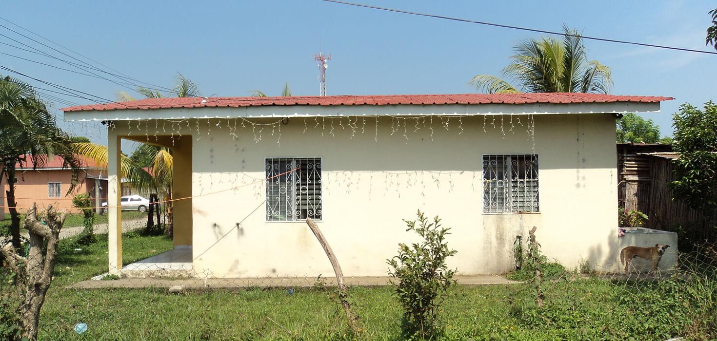 Venta de Casa de habitación en residencial Los Castaños ubicado en Residencial Los Castaños Lote No. 6, Bloque A, El Porvenir, Atlántida, Honduras